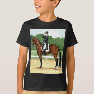 停止、Xの馬場馬術の芸術の栗毛の馬の挨拶 Tシャツ