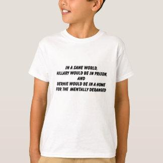 健全な世界のヒラリーそしてベルニー Tシャツ
