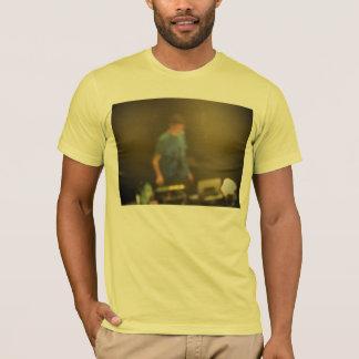 健全な点検 Tシャツ