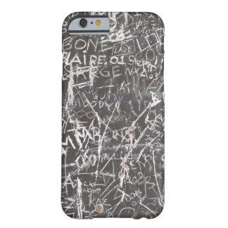 傷の落書き BARELY THERE iPhone 6 ケース