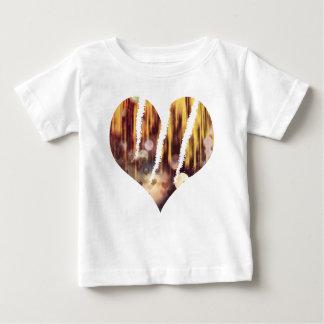 傷の雄鹿 ベビーTシャツ