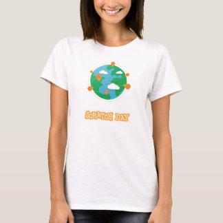 傷日の地球のワイシャツ(レディース) Tシャツ