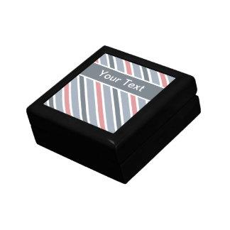 傾けられたストライプのギフト用の箱は、カスタマイズ ギフトボックス