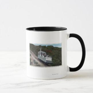 傾斜の眺めのケーブル・カー マグカップ