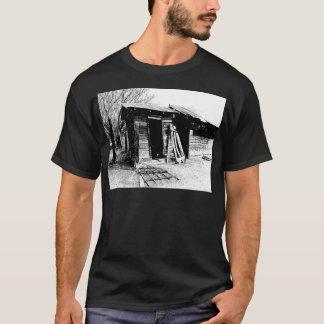 傾斜の離れ家 Tシャツ