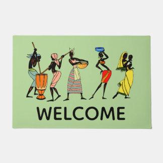 働くアフリカの女性 ドアマット