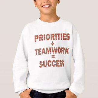 優先順位のチームワークの成功の知恵の低価格のギフト スウェットシャツ