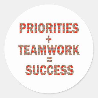 優先順位のチームワークの成功の知恵の低価格のギフト ラウンドシール