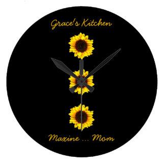 優美の台所のための3つの明るいヒマワリ ラージ壁時計