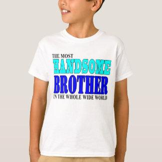 兄弟の誕生会: ハンサムな兄弟 Tシャツ