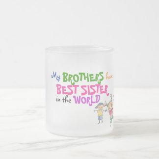 兄弟は最も最高のな姉妹のマグを持っています フロストグラスマグカップ