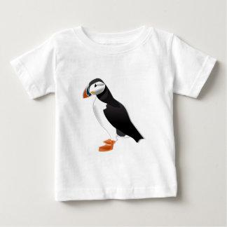 先のニシツノメドリの一見愛に ベビーTシャツ