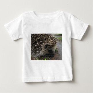 先の尖ったハリネズミ ベビーTシャツ