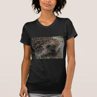 先の尖ったハリネズミ Tシャツ