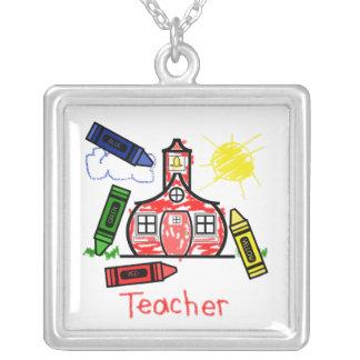 先生のネックレス-校舎のクレヨンのスケッチ シルバープレートネックレス