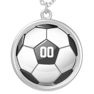 光沢のあるサッカーボール シルバープレートネックレス