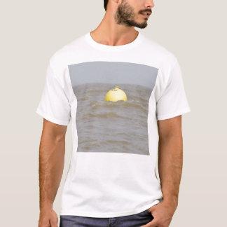 光線はブイを紙やすりで磨きます Tシャツ