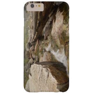 入り江のiphoneの例を渡る丸太 barely there iPhone 6 plus ケース