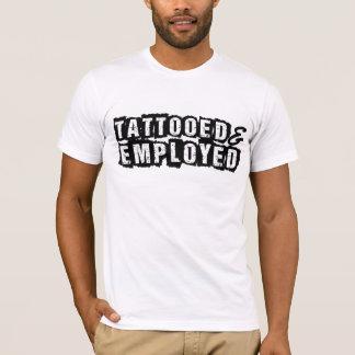 入れ墨され、用いられたワイシャツ Tシャツ