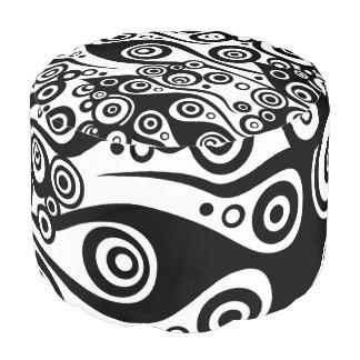 入れ墨の炎及び円の黒 + あなたのbackgr。 色 プーフ