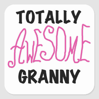 全く素晴らしいおばあさんのピンクのTシャツおよびギフト スクエアシール