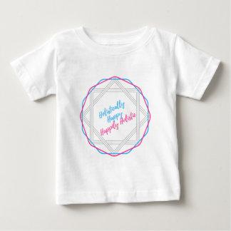 全体に幸せ。 幸福にホリスティック。 スローガン ベビーTシャツ