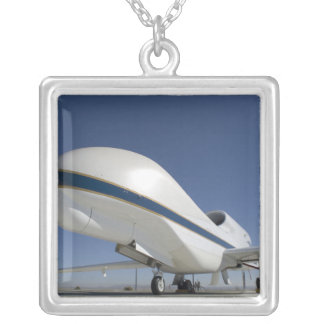 全体的なタカの無人の航空機2 シルバープレートネックレス
