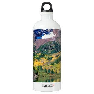 公園のあずき色の鐘White川の森林コロラド州 ウォーターボトル