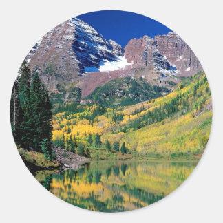 公園のあずき色の鐘White川の森林 ラウンドシール