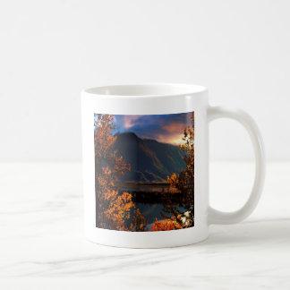 公園の先駆的ピークMatanuskaの谷アラスカ コーヒーマグカップ