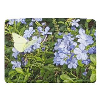 公園の黄色い蝶ラベンダーの青い花 iPad PROカバー