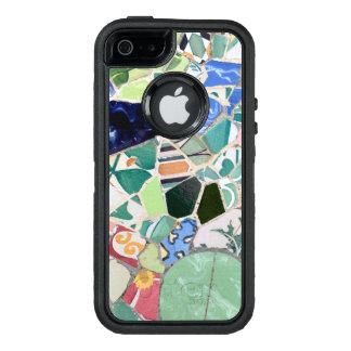 公園のGuellのモザイク オッターボックスディフェンダーiPhoneケース