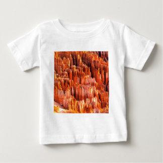 公園は形成ブライス渓谷ユタをHoodoos ベビーTシャツ
