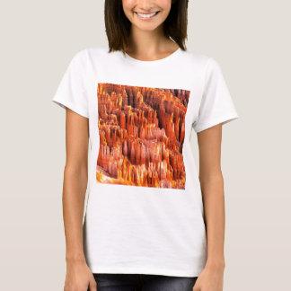 公園は形成ブライス渓谷ユタをHoodoos Tシャツ