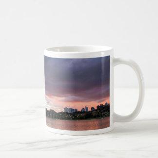 公園上の日没 コーヒーマグカップ