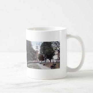 公園、バンガーメインの1911年のヴィンテージ コーヒーマグカップ