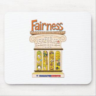 公平さの柱 マウスパッド
