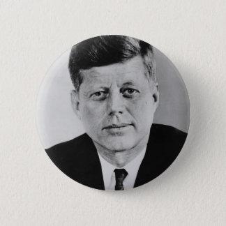 公有地からのJohn_F_Kennedyの公式の写真 5.7cm 丸型バッジ