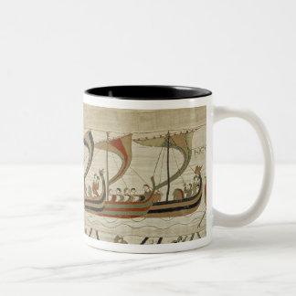 公爵ウィリアムおよび彼の艦隊はチャネルを交差させます ツートーンマグカップ