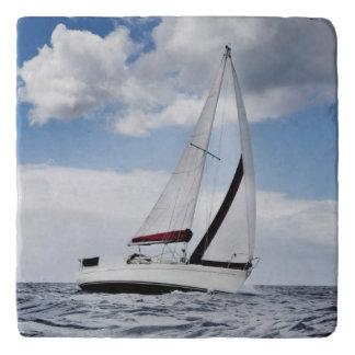 公開した海のヨットの航行 トリベット