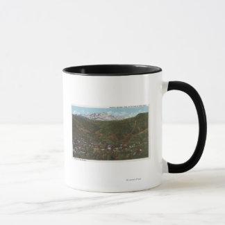 共同Manitouの春ロッキー山脈のスパ マグカップ