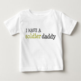 兵士のお父さん ベビーTシャツ
