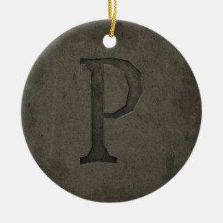 具体的なモノグラムの手紙P セラミックオーナメント