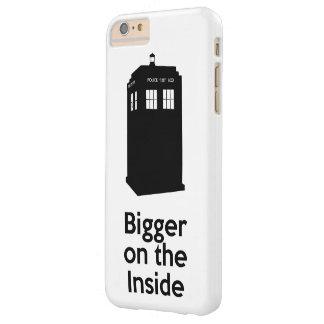 内部でより大きい BARELY THERE iPhone 6 PLUS ケース