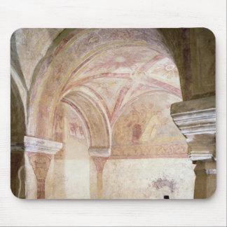 内部のクリプトのCarolingianのフレスコ画 マウスパッド