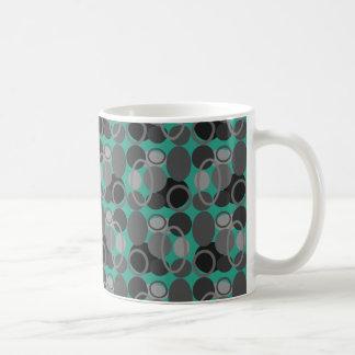 円および楕円形のコーヒー・マグ コーヒーマグカップ