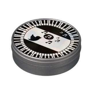 円のピアノ鍵および鳴き鳥 キャンディー缶