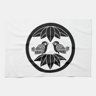 円の10羽のタケ葉及び直面のすずめ キッチンタオル