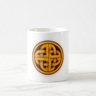円のPictishまたはケルト結び目模様 コーヒーマグカップ