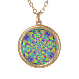 円形のペンダント、数々のな着色された抽象芸術 ゴールドプレートネックレス